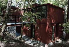 How is THIS for a house?  Made of shipping containers.  http://www.viralnova.com/shipping-container-home/?utm_source=newsletter&utm_medium=email&utm_campaign=aweber