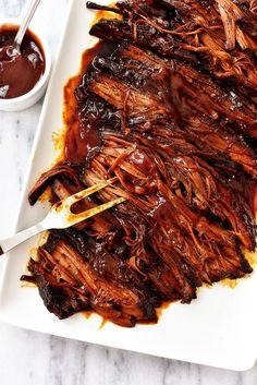 Slow Cooker BBQ Beef Brisket - - Slow Cooker BBQ Beef Brisket What's For Dinner? bbq beef brisket in the slow cooker – easy dinner recipe Beef Brisket Slow Cooker, Smoked Beef Brisket, Cooking Brisket, Brisket Meat, Bbq Beef Crockpot, Corned Beef, Crock Pot Brisket, Brisket Tacos, Brisket Rub