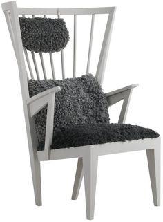 Nirvan Richter's Armchair with sheepskin / Norrgavel