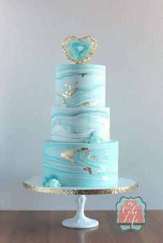 Sunday Sweets: The New & Improved Geode Cakes — Cake Wrecks (The Cake Life, North Dakota) Cake Wrecks, Cool Wedding Cakes, Wedding Cake Designs, Beautiful Cakes, Amazing Cakes, Blue Birthday Cakes, Geode Cake, Blue Cakes, Marble Cake
