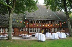 Event Location in Hamburg buchen - Golf Lounge Driving Range ✅ Wedding Tips, Wedding Planning, Dream Wedding, Wedding Dreams, Location Hamburg, Wedding Locations, Germany, Street View, Lounge