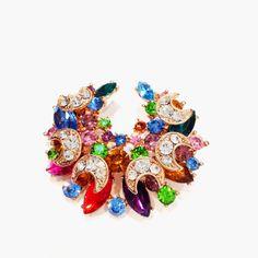 Ma broche préférée en cristal disponible à la bijouterie Toulouse Laoula http://www.laoula-bijoux.com