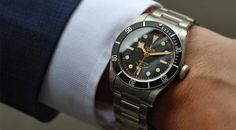 Tudor-Black-Bay-Black-wrist