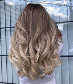Pinterest ♡ @stacidanyluk Balayage Hair, Hair Looks, Bouncy Curls, Love Hair, Gorgeous Hair, Hair Inspo, Hair Inspiration, Long Highlighted Hair, Pinterest Hair