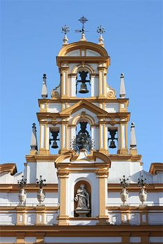Classical Architecture, Architecture Old, Housing Works, Christian World, Seville Spain, Photos Voyages, Largest Countries, Spain And Portugal, Medieval Castle