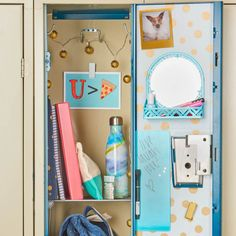 Just because your locker is small doesn't mean it can't be big on cuteness. Shop space saving locker solutions to maximize the space you have. Cute Locker Decorations, Cute Locker Ideas, Diy Locker, School Locker Organization, School Lockers, Middle School Supplies, College School Supplies, College Planner, College Tips