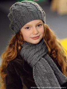 Шапка и шарф для девочки спицами