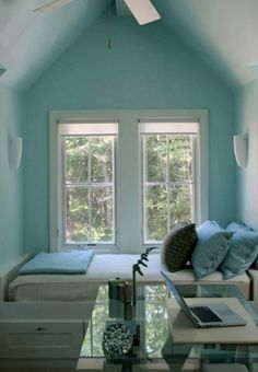 Tiffany blue room. and that bed in the nook.