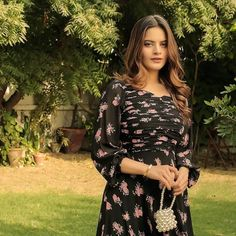 Aiman Minal Closet latest summer collection Day Dream Features Minal Khan Ordinary Girls, The Ordinary, Pakistani Actress, Late Summer, Pakistani Dresses, Summer Collection, Fashion Brand, Floral Tops, Fashion Dresses