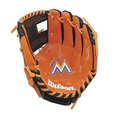 Youth Wilson A0200 10-in. Major League Baseball Team Right Hand Throw Baseball Glove, Multicolor