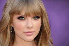 Taylor Swift at the ACM 2012   Makeup Geek