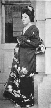 Sadayakko/Sada Yacco Women were banned from theatre in Japan for the longest… Japanese Geisha, Japanese Beauty, Vintage Photographs, Vintage Photos, Modern Dance, Famous Artists, Old Photos, Theatre, Dancer