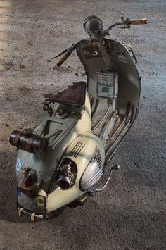 Discover recipes, home ideas, style inspiration and other ideas to try. Vespa Motorcycle, Lambretta Scooter, Vespa Motor Scooters, Custom Vespa, Custom Bikes, Hot Rods, Vespa 150, Vespa Sprint, Classic Vespa