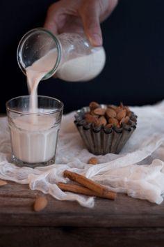 Vanilla & Caramel Almond Milk {flowers on my plate} Rezept für selbstgemachte Karamellige Vanille & Zimt Mandelmilch