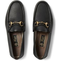 Gucci Horsebit Full-Grain Leather Loafers ($640) ❤ liked on Polyvore featuring men's fashion, men's shoes, men's loafers, mens black shoes, mens loafer shoes, mens black loafers shoes and gucci mens shoes
