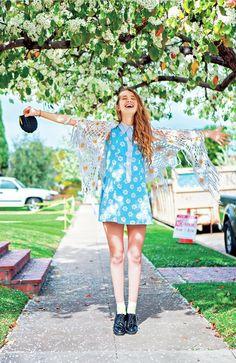 【ELLEgirl】BLUE(20)|【STREET STYLE】LAガールに学ぶ、個性が光るいまどきヴィンテージMIX|エル・ガール・オンライン
