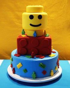 Festa NinjaGo: mais de 20 ideias de convites, lembrancinhas, decoração, brincadeiras e doces para você se inspirar e fazer uma festa divertidíssima.