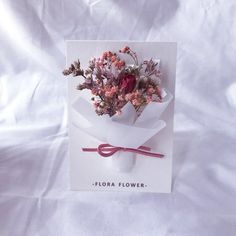 diy flowers info are readily available on our site. Check it out and you wont be sorry you did. Flower Box Gift, Flower Cards, Corporate Gift Baskets, Paper Quilling Patterns, Simple Birthday Cards, Flower Packaging, Valentines Flowers, Pressed Flower Art, Creative Gift Wrapping