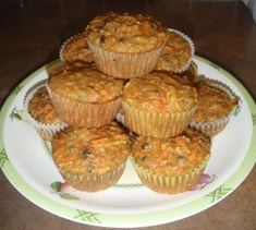 Muffins aux carottes, pommes et raisins Scones, Biscuits, Pain, Wine Recipes, Blueberry, Sweets, Breakfast, Desserts, Food