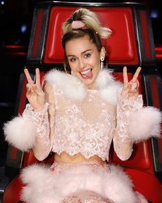 Thank you @nbcthevoice for having me for Season 11! I am beyond excited for 13! It was a dream come true to dedicate a year of life to making music with new artists! Ive been honored to encourage the contestants & all those watching at home to be themselves & never give up! #thevoice #veggie #vegan #TeamMiley #fauxfur #thenewpuffy