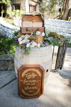 Wedding program station @weddingchicks