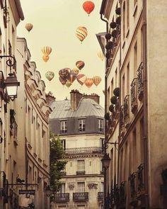 http://inredningsvis.se/paris-var-true-love/  Paris in the Spring!