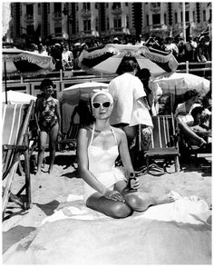 Grace Kelly in Cote d'Azur en el papel de Frances Stevens para la película 'To Catch a Thief' de Alfred Hitchcok de 1955