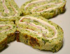 Il rotolo di zucchine farcito è una ricetta per trasformare la solita ricetta della frittata di zucchine in un gustoso e sfizioso secondo o antipasto.