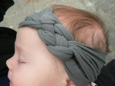 knotted headband tutorial-NO sewing. Good way to recycle old tshirts.
