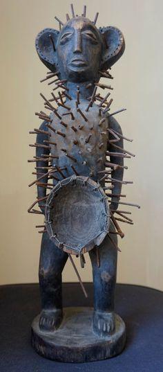 African Sculpture Nkisi Nkondi  Congo Powerfigure Nail fetish