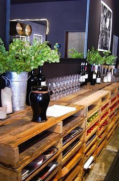 pallet - mobile bar, unique wood display, restaurant
