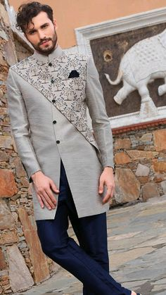 Fashion 2018 ready to wear men new Ideas Nigerian Men Fashion, Indian Men Fashion, Mens Fashion Suits, African Fashion, Sherwani Groom, Mens Sherwani, Wedding Dresses Men Indian, Wedding Dress Men, Boys Kurta Design