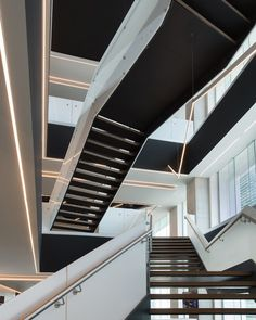 The new headquarters of General Motors in Mexico occupy floors 9 to 16 of Corporativo Antara II, one of the corporate office blocks in the Antara Master Plan in Nuevo Polanco. Master Plan, Stairs, Flooring, Interior Design, Home Decor, Sculptures, Neutral Tones, Stairway, Offices