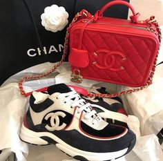 Discovered by нσт gιяℓ👸🏾. Find images and videos about prinxessvibess on We Heart It - the app to get lost in what you love. Luxury Purses, Luxury Bags, Sneakers Fashion, Fashion Shoes, Mode Shoes, Bling Shoes, Cute Sneakers, Aesthetic Shoes, Dream Shoes