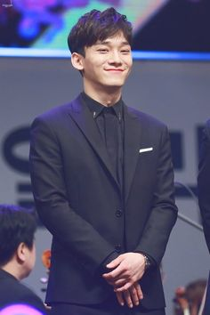 Kill me with ur smile Chen!