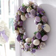 Give an Easter makeover to your door with a striking Easter door decoration. Glance through our fresh and peppy ideas here for an Easter-ready front door. Easter Projects, Easter Crafts, Easter Decor, Easter Ideas, Easter Centerpiece, Bunny Crafts, Wreath Crafts, Diy Wreath, Wreath Ideas