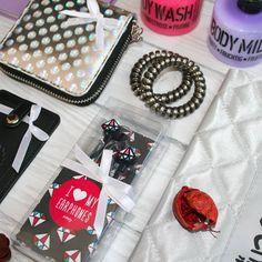 11 отметок «Нравится», 1 комментариев — UtiPutiBox подарки (@utiputibox) в Instagram: «А мы продолжаем радовать вас яркими весенними наборами, даже в сегодняшний холодный день.😘…»