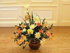 Dollhouse Miniature Flower Arrangement in Ceramic Pot Super Piece! England