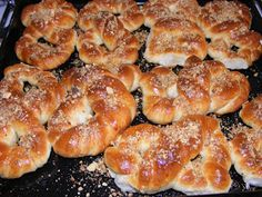 Romanian Food, Romanian Recipes, Bagel, Sweets, Bread, Gummi Candy, Candy, Brot, Goodies