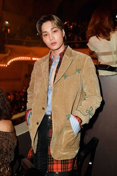 Kai, a member of K-pop group EXO, showed off a brand-new mullet while attending the Gucci Spring/Summer 2019 runway show in Paris on Monday. He also added a modern undercut to the retro hairstyle. Exo Kai, Baekhyun, Kaisoo, Chanbaek, Knock Knock, Fashion News, Fashion Show, Kim Jongin, K Pop Star