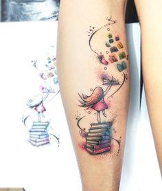 """473 curtidas, 12 comentários - Léo Dionizio Tattoo (@leods21) no Instagram: """"Hj a Bruna veio fazer uma tattoo relacionada a uma de suas paixões. Livros  . Mandou mó bem pô,…"""""""