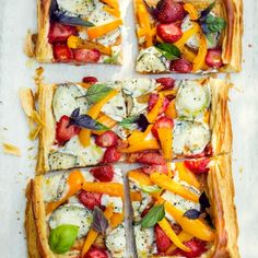 Strawberry and goat's cheese vegetarian tart, an easy summer lunch. For the full… Bhg Recipes, Tart Recipes, Brunch Recipes, Healthy Recipes, Healthy Food, Summer Lunch Recipes, Vegetarian Tart, Cheese Tarts, Goat Cheese