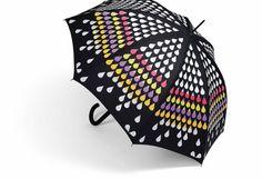 Sombrinha com a técnica color changing, quando pega chuva as gotas formam um lindo arco-íris. Super charmosa e fun!