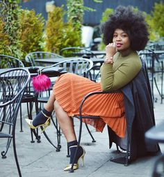 Socks with heels welovenappyhair: Street Chic, Street Style, Afro, Chic Outfits, Fashion Outfits, Moda Fashion, Mode Style, Autumn Winter Fashion, Natural Hair Styles