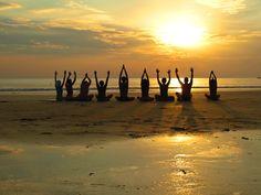 Mit deiner eigenen Gruppe und FIT Reisen in den Yoga Urlaub -> https://www.fitreisen.de/yoga/yoga-gruppen.html  #yoga #yogaurlaub #yogagruppe