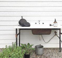Love More Farmhouse Garden Outdoor Garden Sink, Outdoor Sinks, Outdoor Rooms, Outdoor Gardens, Outdoor Living, Outdoor Decor, Outdoor Bathrooms, Outdoor Stuff, Garden Yard Ideas