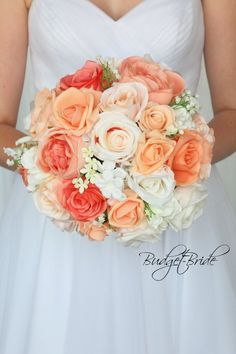 Bridal Bouquet Coral, Coral Wedding Flowers, Peach Bouquet, Country Wedding Flowers, Vintage Wedding Flowers, Wedding Flower Arrangements, Bride Bouquets, Flower Bouquet Wedding, Bridesmaid Bouquet