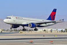N328NW Delta Air Lines 1992 Airbus A320-211 - cn 298