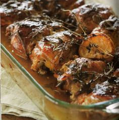 Chicken thighs get slowly baked in flavourful liquid so the meat stays moist and the skin gets bronzed.