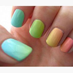 ¡Uñas primaverales! Haz click para inspirarte con estilos de manicura: http://siempremujer.com/foto-galeria/manicuras-de-moda/69146/